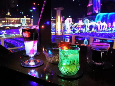 ハウステンボス 光のカフェ&バー 「光るカクテル」たち