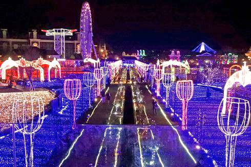 ハウステンボスのイルミネーション「光の王国」 写真