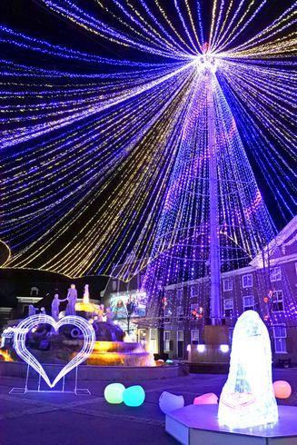 ハウステンボスのイルミネーション「光の王国」 光のツリー