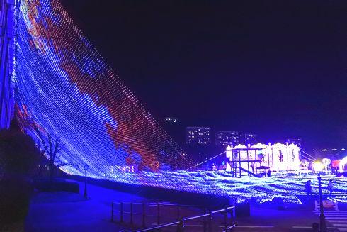 ハウステンボスのイルミネーション「光の王国」 光の滝3
