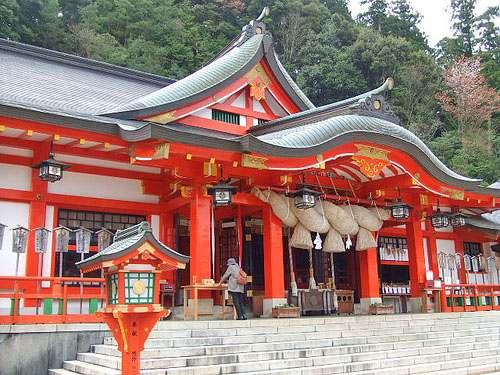 太鼓谷稲成神社は、津和野のパワースポット!朱色が鮮やかな千本鳥居も