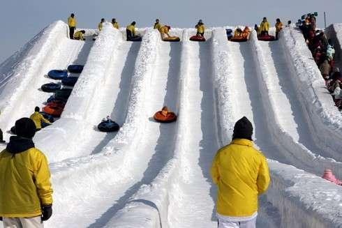 さっぽろ雪まつり 雪のすべり台