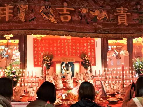 長崎ランタンフェスティバル 豚の頭 祭壇