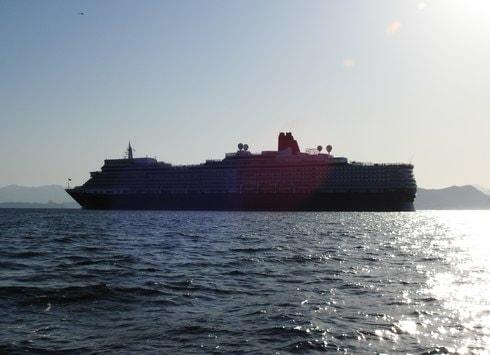 クイーンエリザベス 瀬戸内海を航海