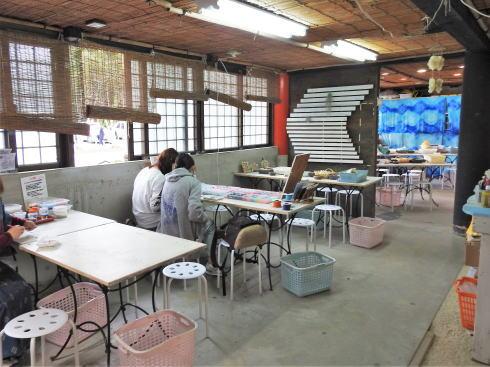 琉球村に併設「沖縄の駅ちゃんぷるー」 手作り体験コーナー
