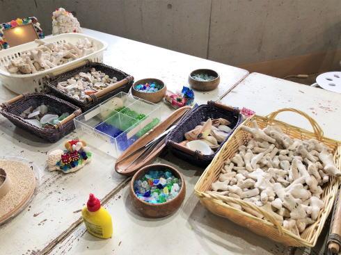 琉球村に併設「沖縄の駅ちゃんぷるー」 時計づくり基本セット