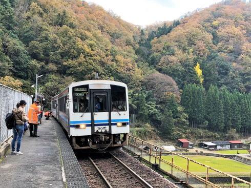JR三江線 宇都井駅(天空の駅) のホーム