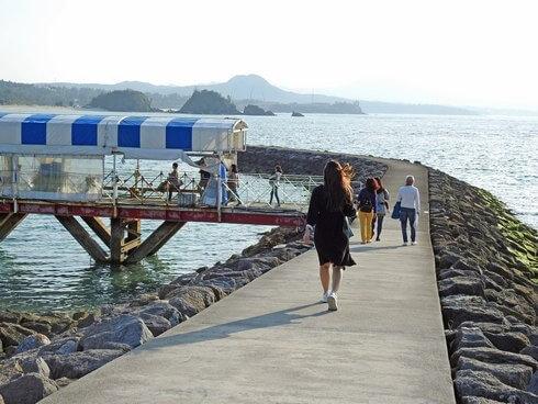 ブセナ海中公園 グラスボートの桟橋
