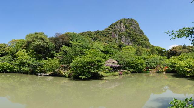御船山楽園 園内の池