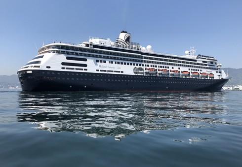 客船 フォーレンダムが広島・五日市埠頭に初入港