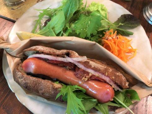沖縄 プラウマンズランチべーカリー ホットドッグ2