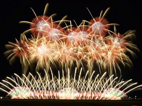 東京花火大祭 2018、花火とコラボした市川海老蔵の新作舞踊も