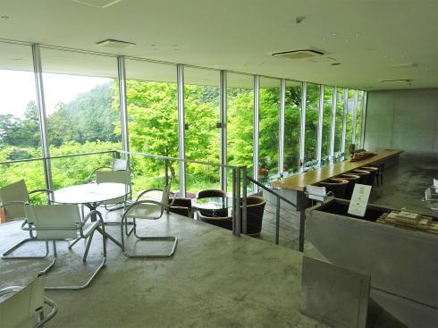 福岡絶景カフェ 茶房わらび野 1階の様子