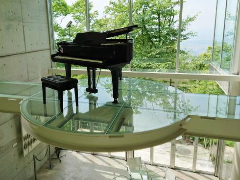福岡絶景カフェ 茶房わらび野 ピアノ