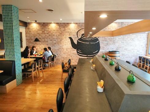 福岡 抹茶カフェHACHI 店内の様子2