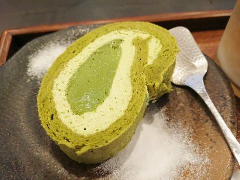 福岡 抹茶カフェHACHI 抹茶ロール2