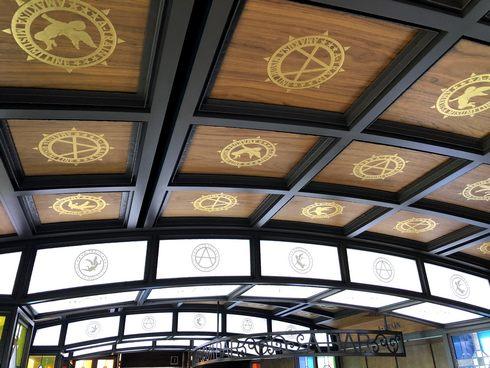A列車で行こう、天井の模様