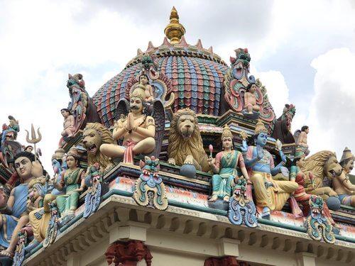 スリマリアマン寺院の彫刻