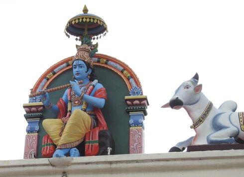 スリマリアマン寺院、神々や野獣の彫刻たち