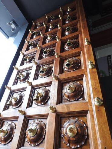 スリマリアマン寺院の扉