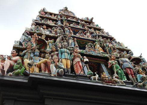 スリマリアマン寺院寺院のゴプラム(塔門)