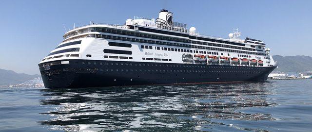 クルーズ客船のクラス「プレミアム」華やかで上品な豪華客船