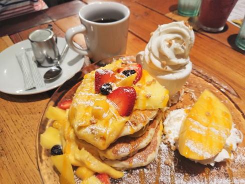 コナズ珈琲でハワイのカフェ気分、パンケーキほかハワイアンフードが美味