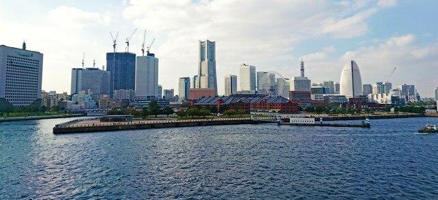 横浜港大さん橋国際客船ターミナル、みなとみらいを一望できる