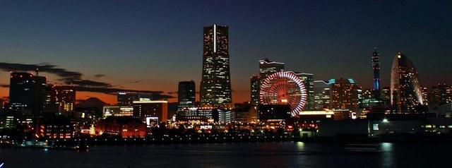 横浜港大さん橋国際客船ターミナル、みなとみらい夜景