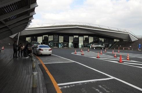 横浜港大さん橋国際客船ターミナル、正面入口