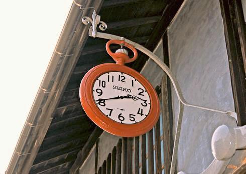 御手洗の時計店、広島県呉市・大崎下島の風景