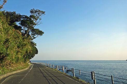 鵜戸神宮、海岸線は道が細い