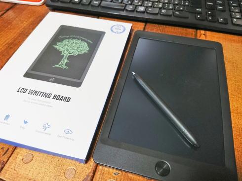 電子メモパッドは手書き派に嬉しく机の整理も