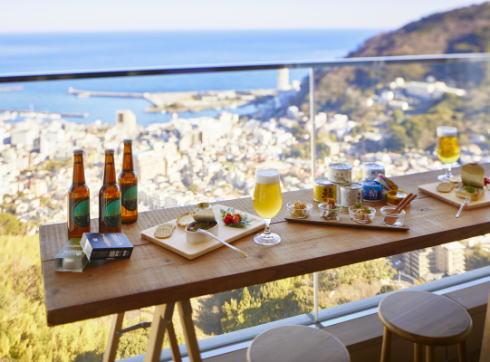 ホテル最上階で「カンカンビアガーデン」缶詰生産盛ん静岡の星野リゾートで