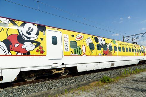 JR九州 ミッキーマウスの新幹線、ラッピングデザイン