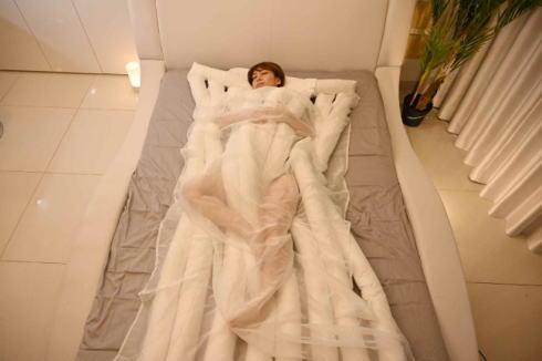 睡眠用うどん 爆誕!悟空のきもち から生まれた寝具が即日完売・出荷待ち