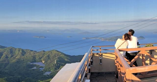 嵩山展望台とランチャー台からみた、周防大島の風景