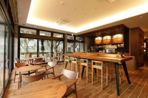 福岡 33 CAFE 店内の様子