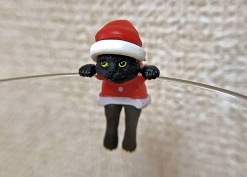 黒ネコがコップにぶら下がる「ふちねこ」貰える!全国シャノアールグループ店舗で