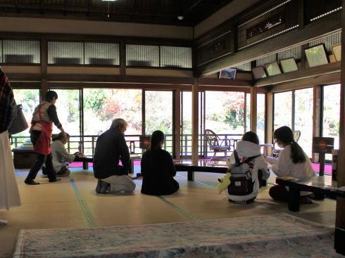 佐賀県 環境芸術の森 風遊山荘 の中の様子