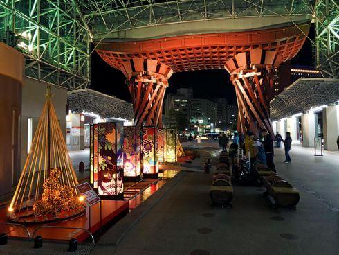 金沢駅の「古都紡ぐ光里」