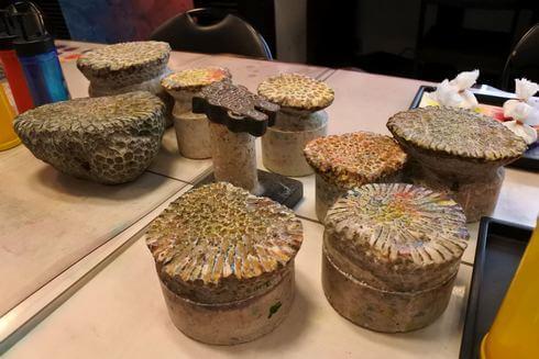 沖縄で「サンゴ染め体験」サンゴの型