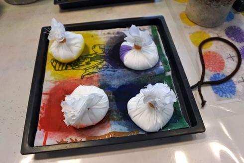 沖縄で「サンゴ染め体験」でつかう、たんぽ