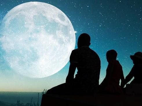 満月の呼び名は12通り、季節感じるニックネーム一覧