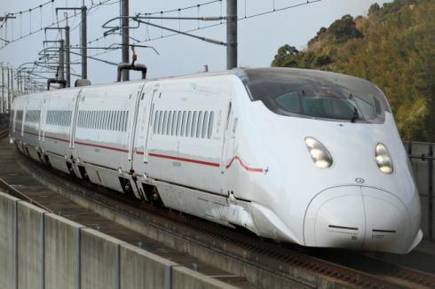 みんなの九州きっぷ、1万円で九州乗り放題!デザイン列車にも乗れる