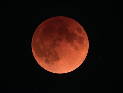5月26日はスーパームーン皆既月食!2021はおうちで夜空見上げて