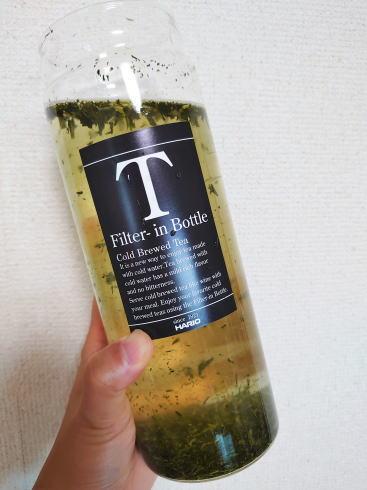ハリオ フィルターインボトル 使用中イメージ