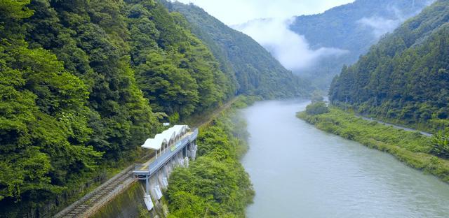 岩国駅から出発、錦川清流線で「夕涼み列車」が運行開始