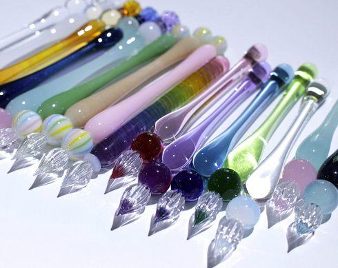 美しき「ガラスペン」の世界、思わずお手紙を書きたくなるアートな万年筆