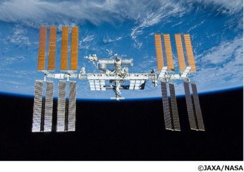 宇宙からのライブ授業を無料で!進研ゼミ特別授業に星出宇宙飛行士・フワちゃん登場